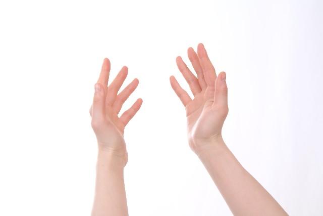 手 指 しびれ 原因