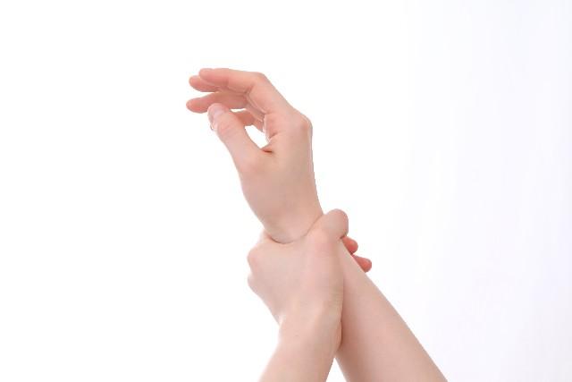 手首 内側 親指側 痛い
